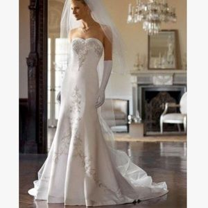 David's Bridal W9322 Beaded Wedding Gown White 10